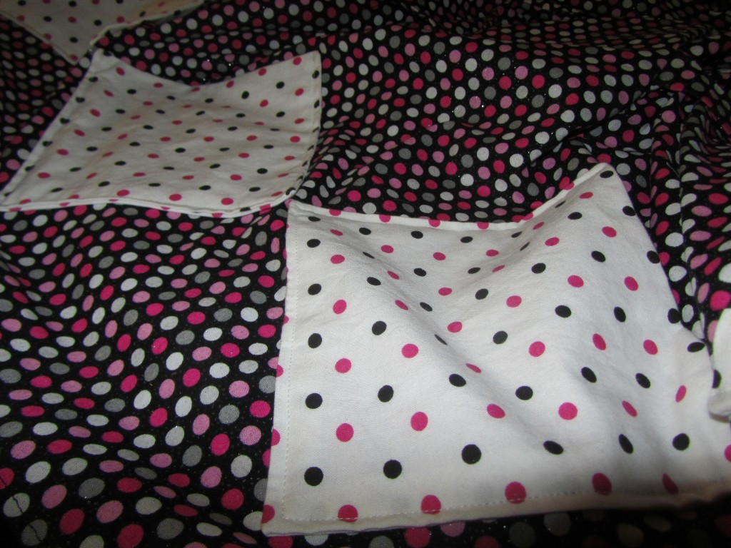 Butterick 9578 polka dot apron - pockets